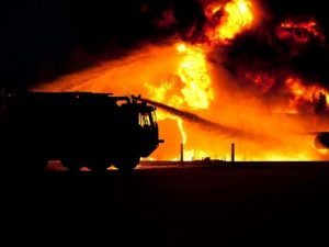 Пожилые мужчина и женщина умерли в результате пожара в Сафоновском районе