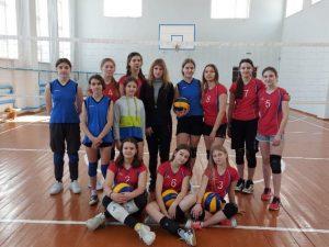 Волейболистки Стодолищенской средней школы выиграли соревнования в Починке