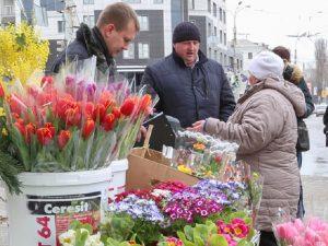 В Смоленске определили места для торговли цветами к 8 марта