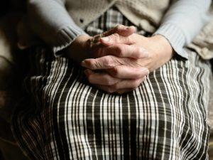 В Смоленске водитель маршрутки помог пенсионерке добраться до больницы
