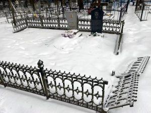 Под Смоленском полицейские задержали кладбищенского вора