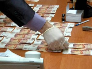 УМВД назвало средний размер взятки в Смоленской области