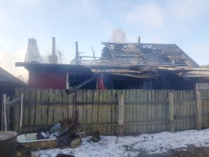 В Смоленске строительные леса рухнули на маршрутку