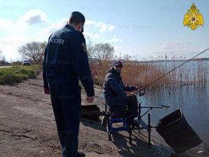 Специалисты ГИМС продолжают контролировать обстановку на водоемах Смоленщины