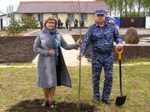 Сотрудники смоленского УФСИН разбили яблоневый сад в честь космического полета Юрия Гагарина