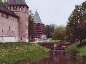 В Смоленске заработал каскад за памятником Федору Коню