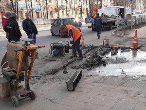 Алексей Островский указал на недочёты реконструкции улицы Николаева в Смоленске