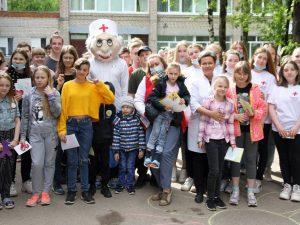 Для пациентов смоленской детской больницы организовали праздник
