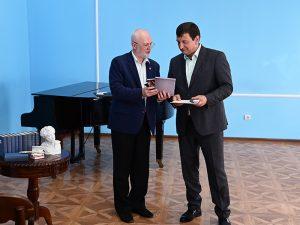 Игорь Ляхов награжден медалью имени Ивана Бунина