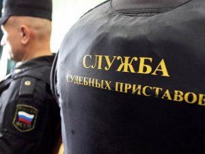 В Смоленске задержали мужчину, который бросался под машины на Киселевском рынке