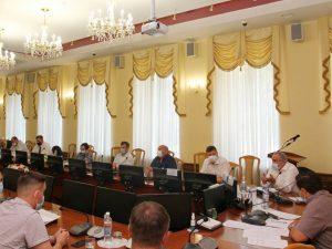 Сергей Неверов призвал депутатов контролировать ремонт межквартальных проездов в Смоленске