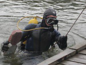Под Смоленском в Днепре водолазы нашли тело мужчины