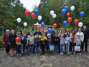 Смоленские полицейские поздравили с началом учебного года ребят из детского дома «Гнездышко»