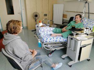 Губернатор Смоленской области Алексей Островский госпитализирован с серьезным переломом голени