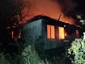 «Пополз к выходу». Под Смоленском мужчина смог спастись из горящего дома