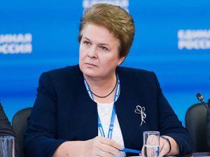 В Смоленской области могут продлить пенсию по потере кормильца после совершеннолетия