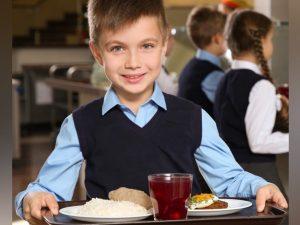 217 смоленских школьников оценили обеды с помощью QR-кода