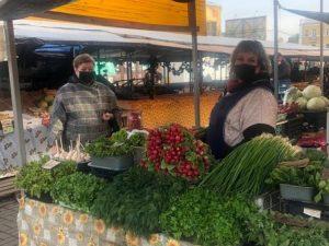 На Заднепровском рынке в Смоленске усилили противоковидные меры